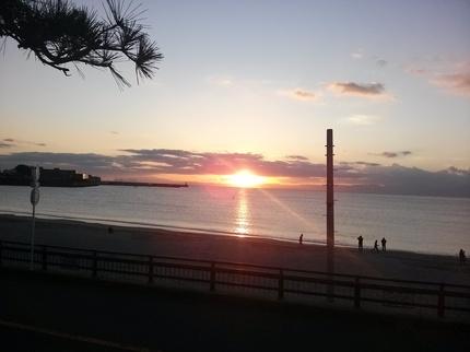 渚小屋の夕陽